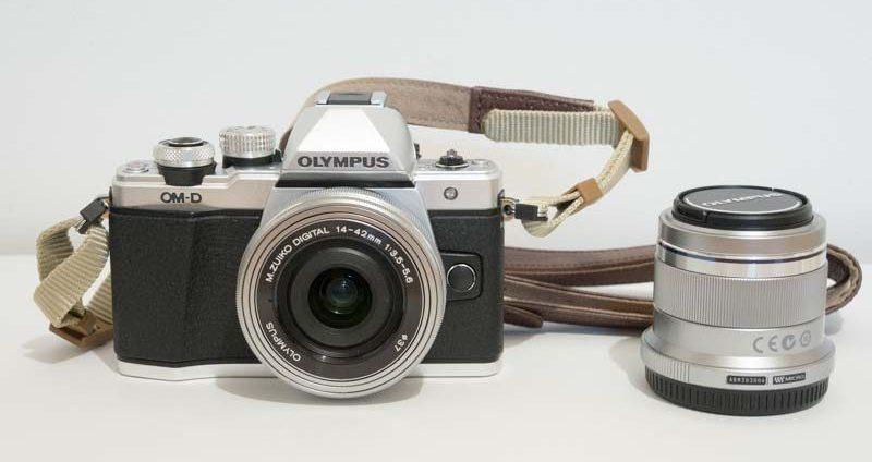 旅行カメラに最適 三脚不要の強力手ぶれ補正 OM-D E-M10 Mark II