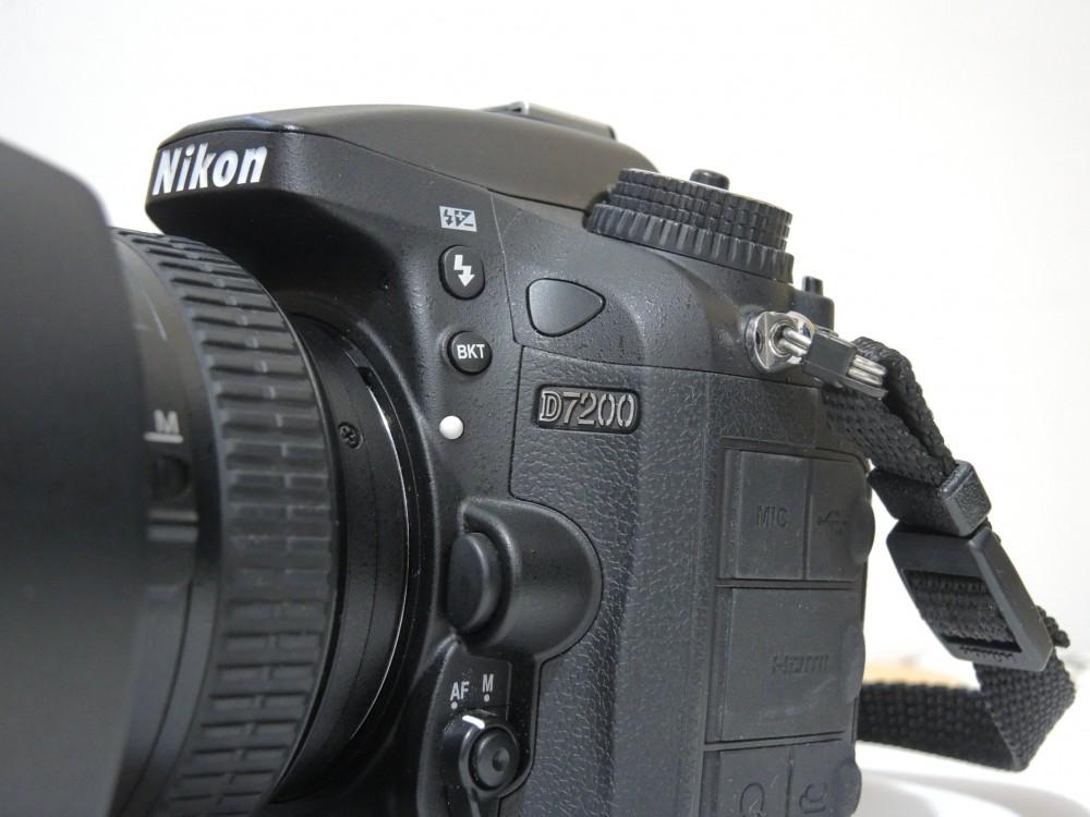 ニコン「D500」VS「D750」は「W手ブレ」VS「高感度センサー」