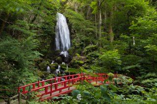 岩手県で唯一の日本滝百選「不動の滝」にて