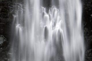 酒田市の「玉簾の滝」に行って考案した、しぶき対策「玉簾スペシャル」
